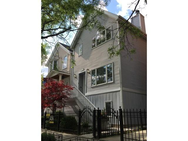 1454 West Wolfram Street, Chicago IL 60657