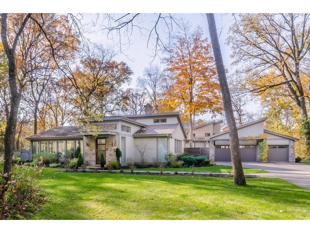 15521 West Rockland Road, Libertyville IL 60048