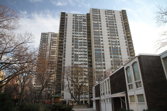 343 west old town court 605 chicago il 60610 the for 1360 n sandburg terrace chicago