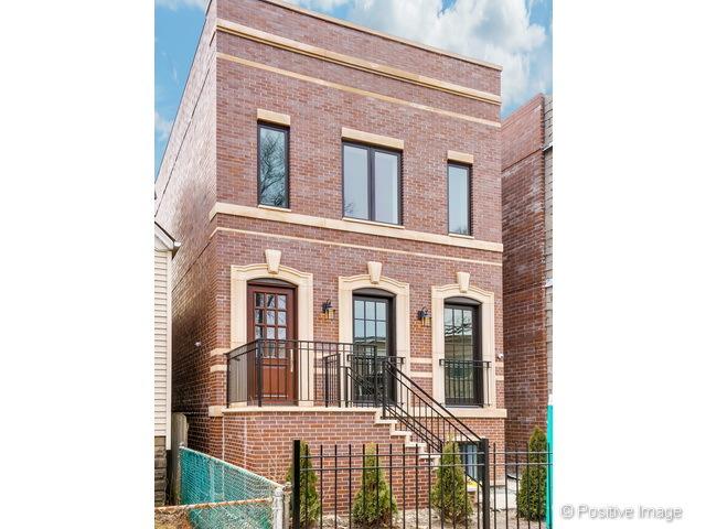 1909 West Wolfram Street, Chicago IL 60657