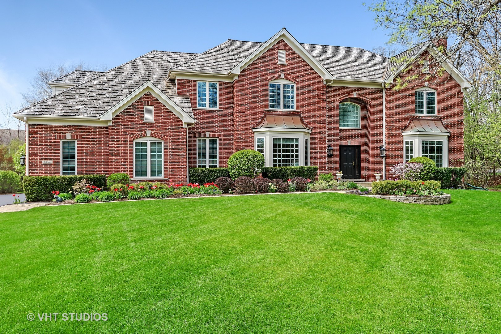 1854 Wedgewood Court, Lake Forest IL 60045
