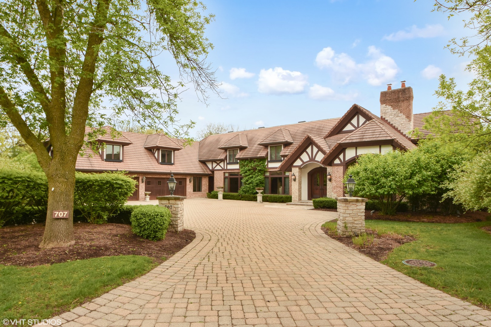 Oak Brook                                                                      , IL - $4,300,000