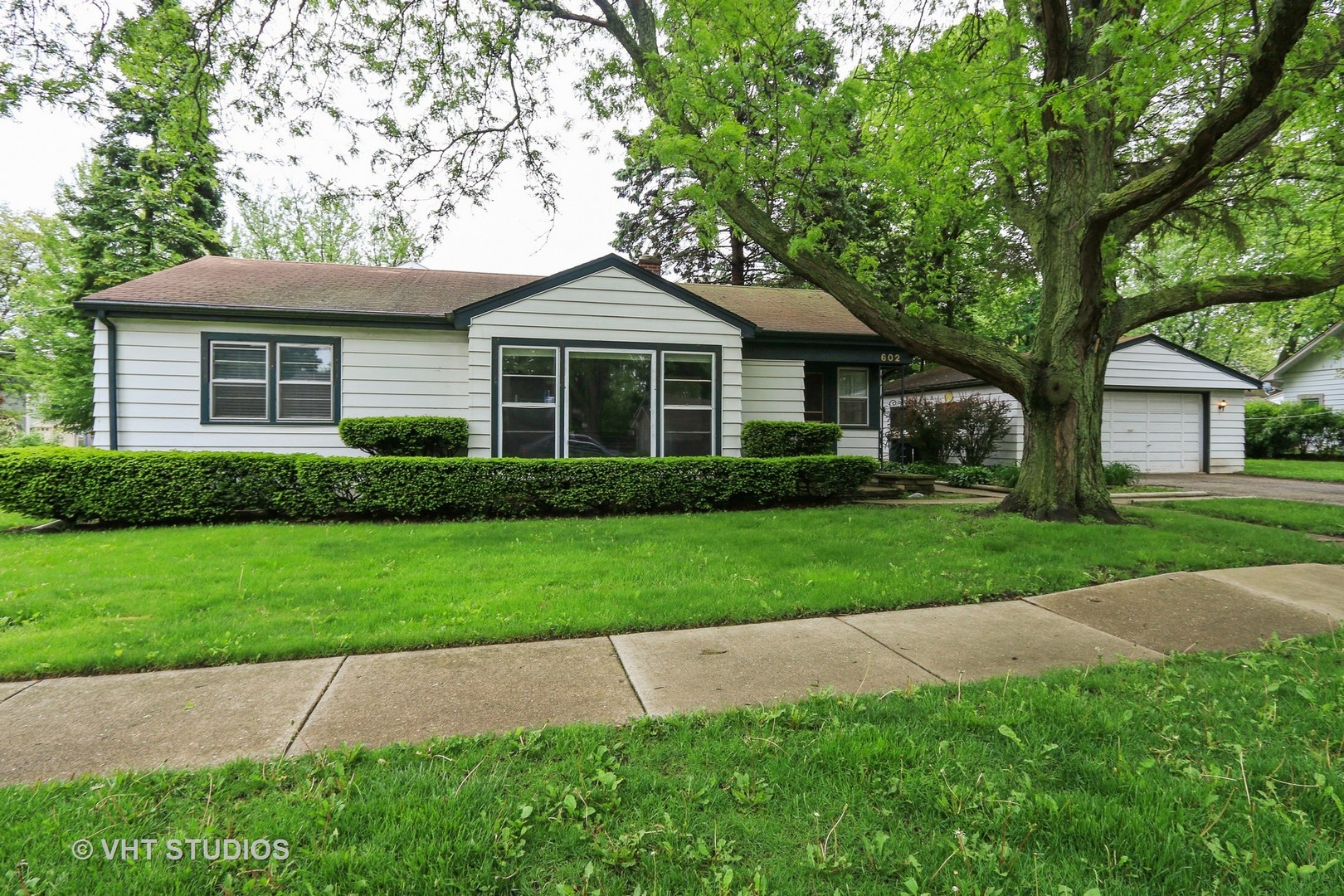 602 South Stewart Avenue, Libertyville IL 60048