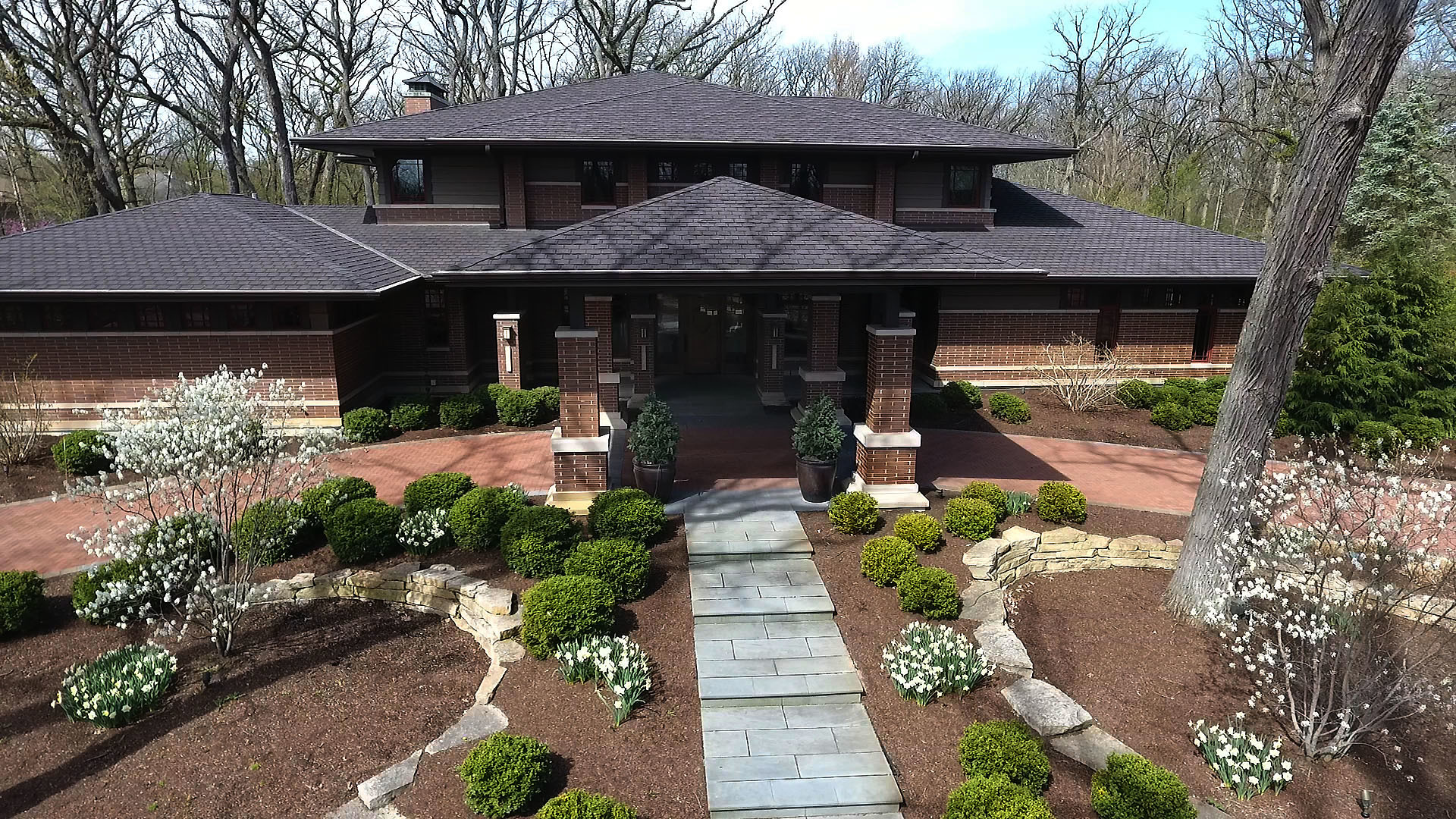 """olympia fields big and beautiful singles """"they wanted a beautiful,  """"the owners are big foodies and entertain a lot,"""" janet owen  a perfect modernist glass house in olympia fields."""