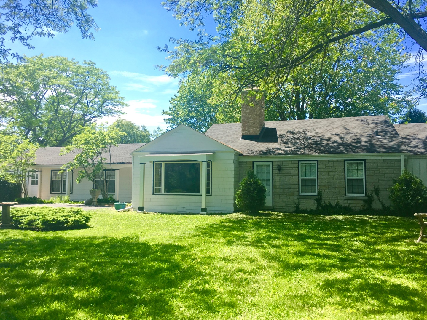 1090 North Waukegan Road, Lake Forest IL 60045