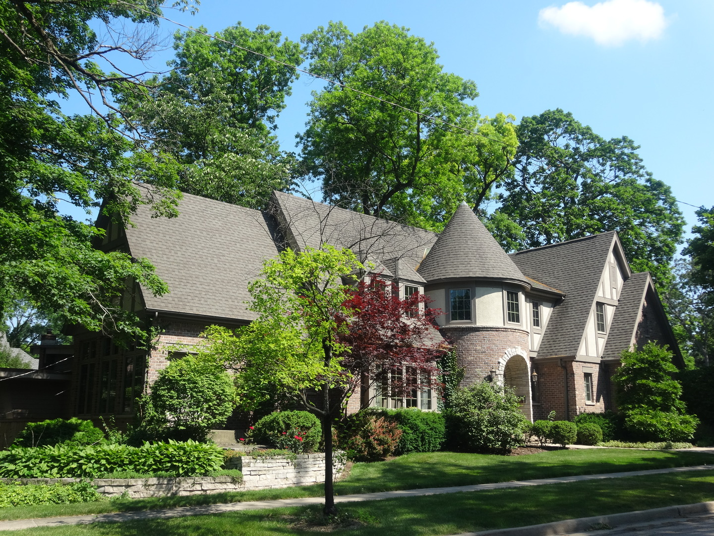 singles in glen ellyn We take you around glen ellyn to find out what it's like to call it living in glen ellyn, il glen ellyn snackability 10 /10 10 best cities for singles in.