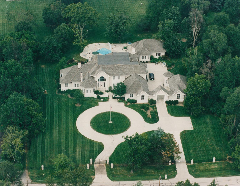 Oak Brook                                                                      , IL - $3,200,000