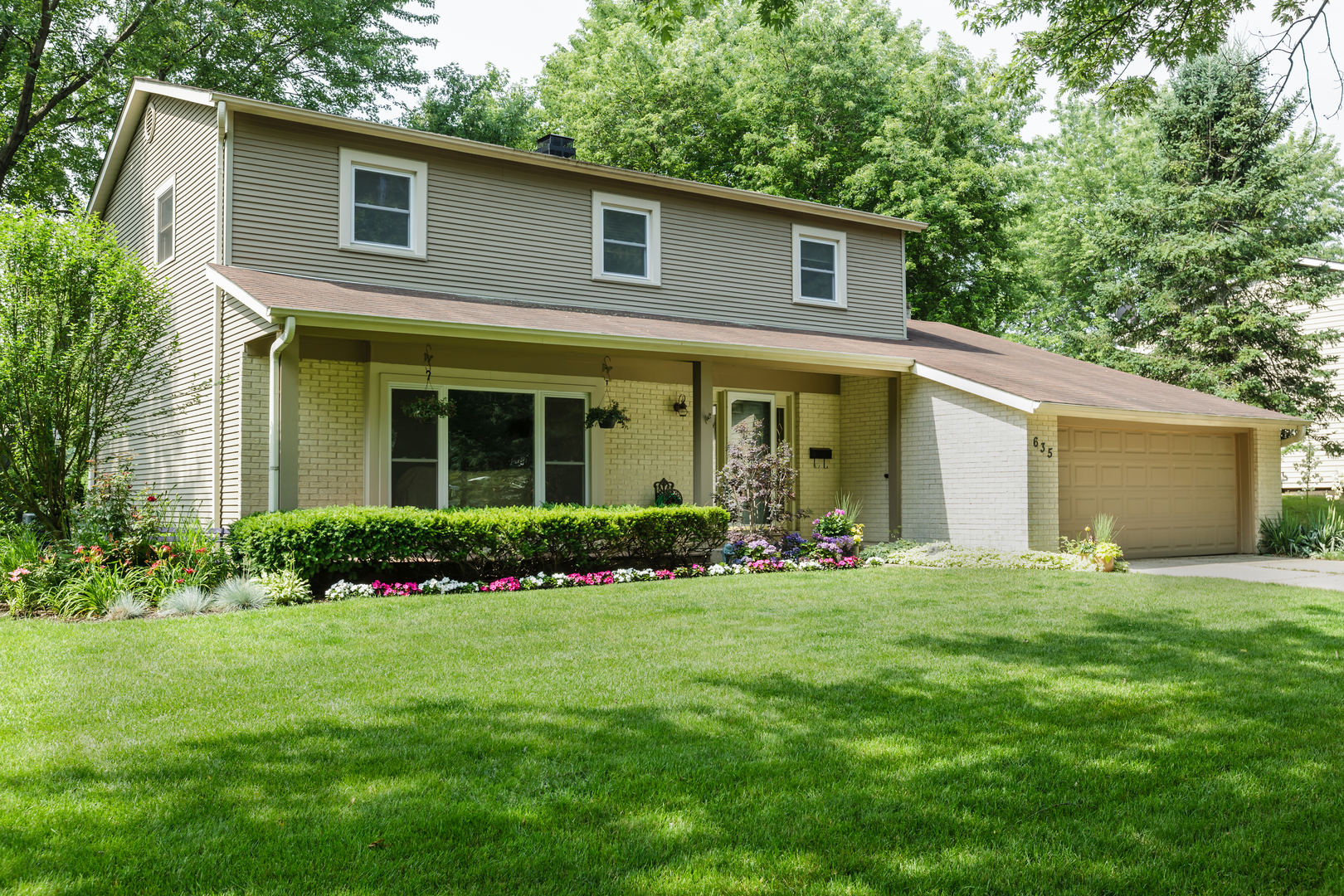 635 East Golf Road, Libertyville IL 60048