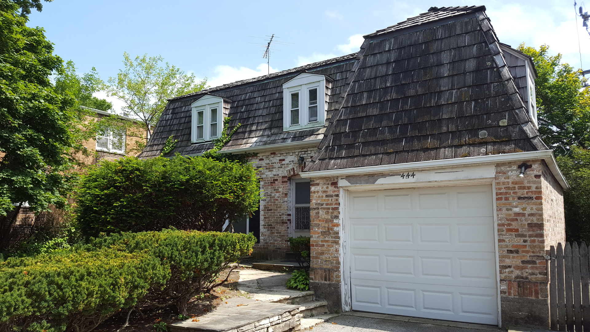 Property Photo For 444 ELM Place HIGHLAND PARK IL 60035 MLS 09693096