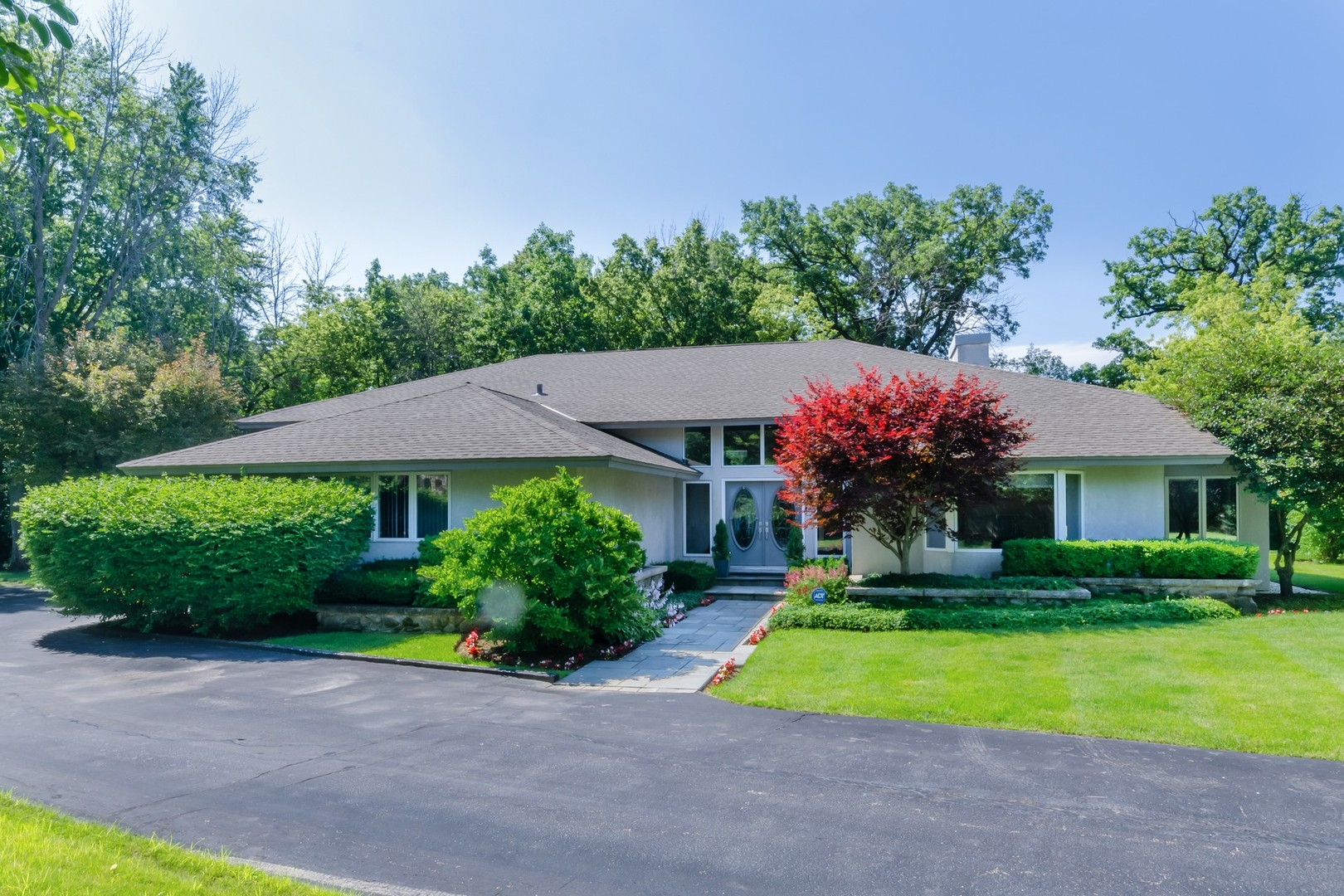 1255 North Waukegan Road, Lake Forest IL 60045