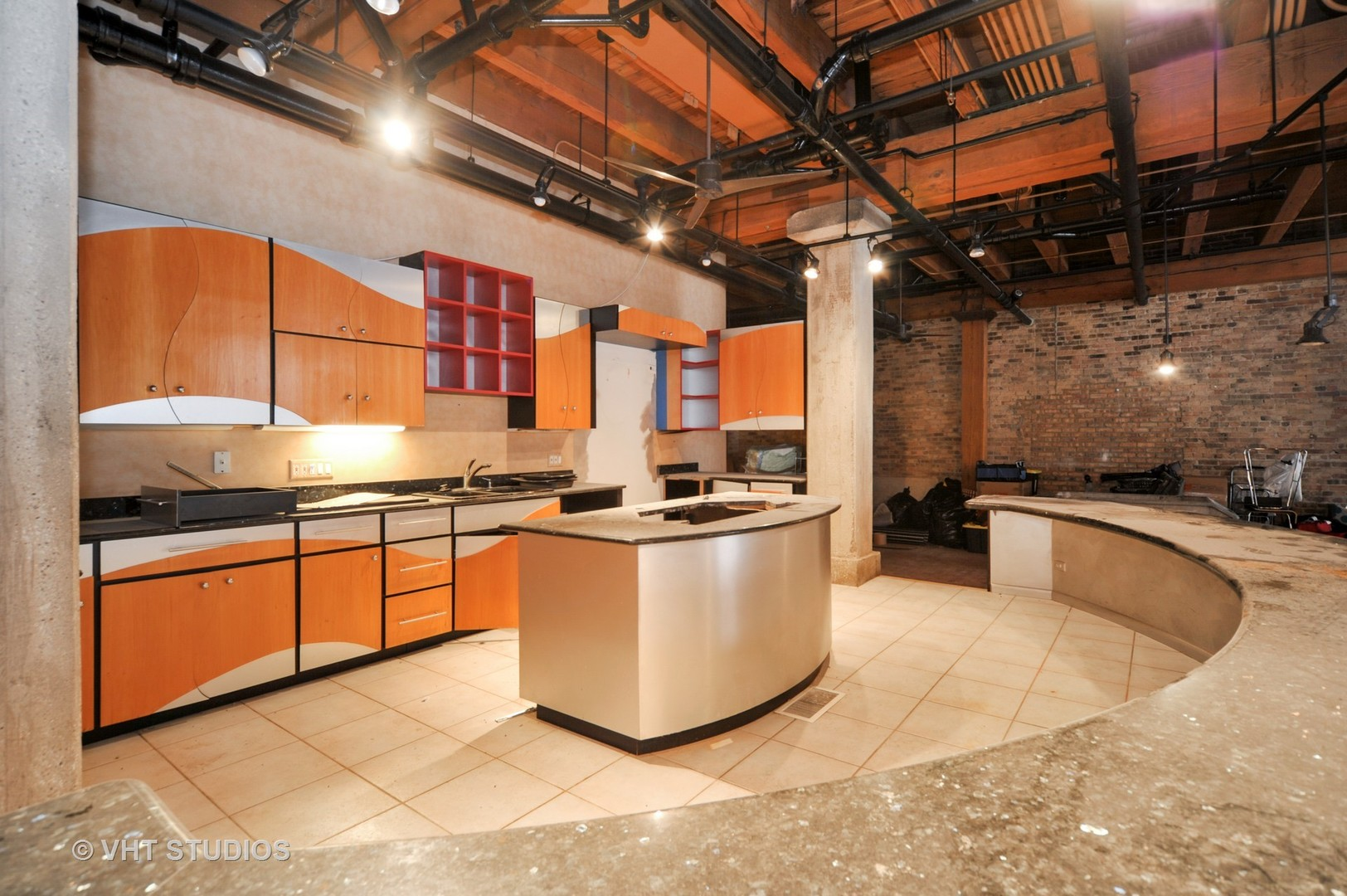 420 Grand Avenue, Chicago, Illinois 60654, 3 Bedrooms Bedrooms, ,2 BathroomsBathrooms,Attached Single,For Sale,Grand,09090210