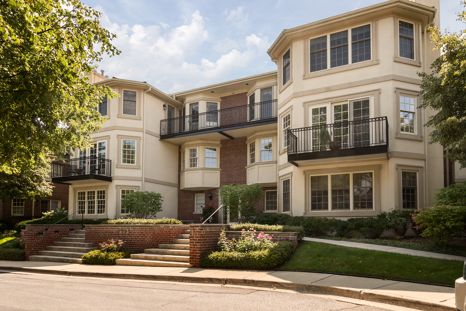 333 East WESTMINSTER Road Unit 3A, Lake Forest IL 60045