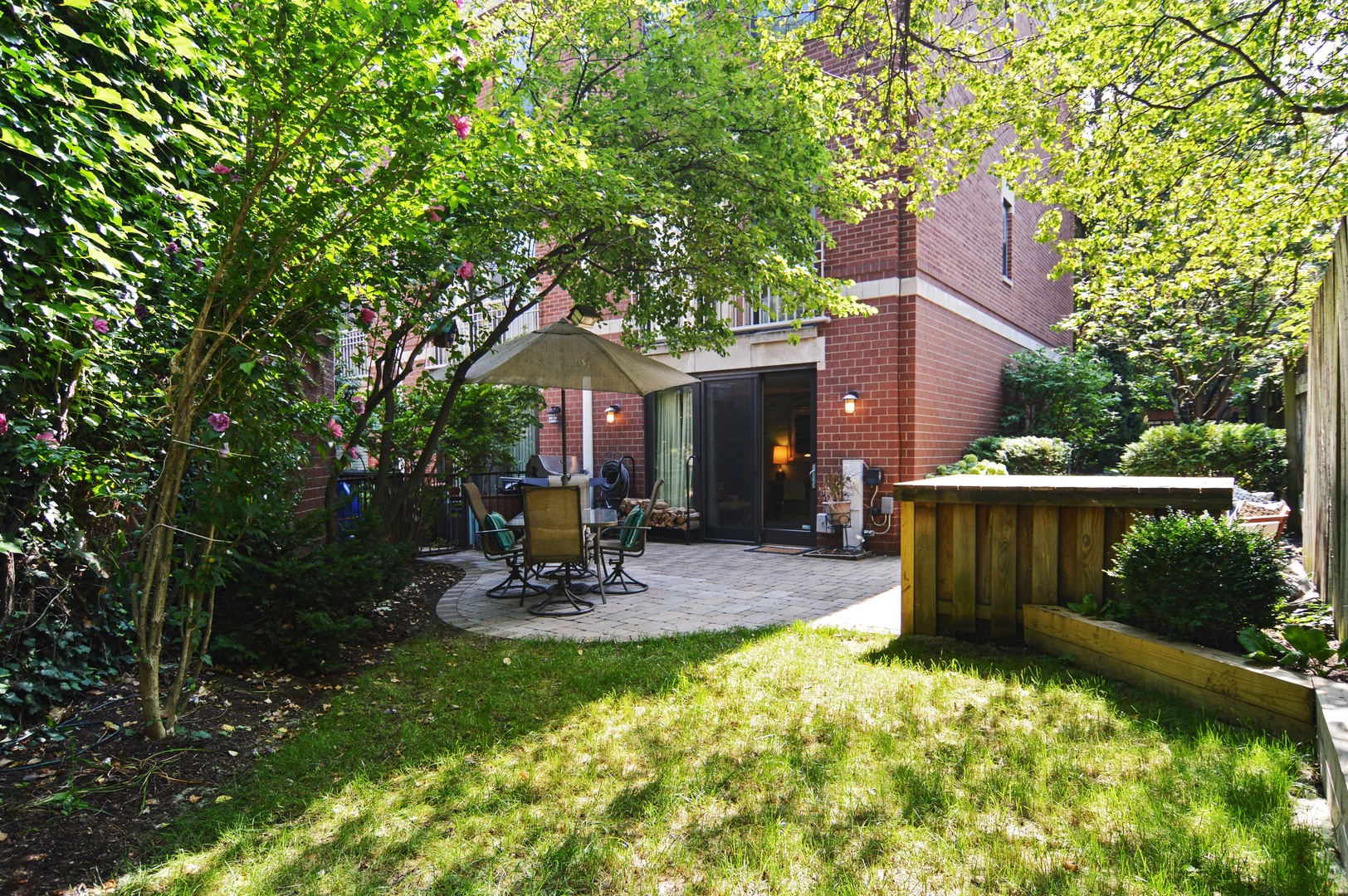 1733 north bissell street chicago il 60614 the lowe group of