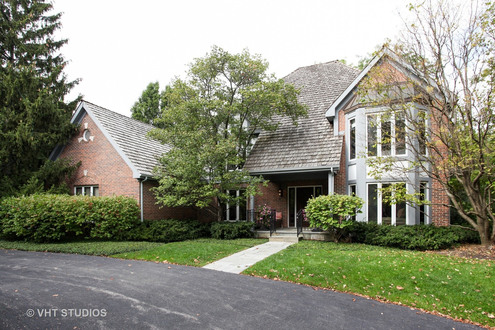 990 West Deerpath Road, Lake Forest IL 60045