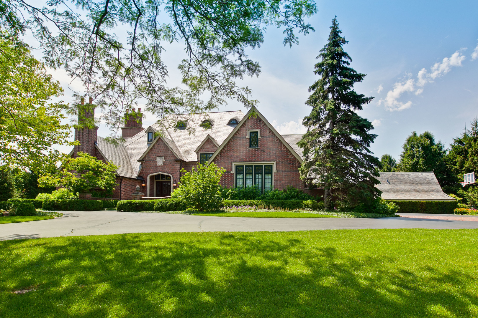 1295 Whitmore Court, Lake Forest IL 60045