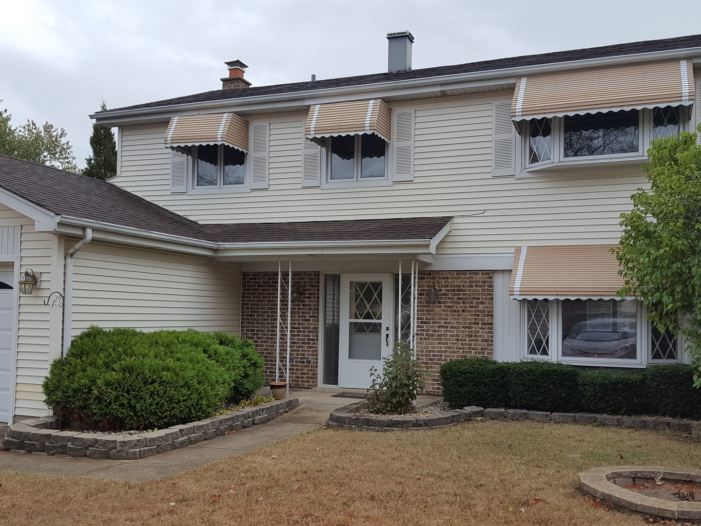 Property Photo For 1049 BEVERLY Court, LOMBARD, IL 60148, MLS # 09768461