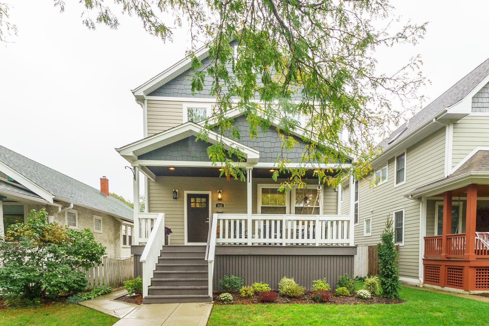 942 Mapleton Avenue, Oak Park IL 60302