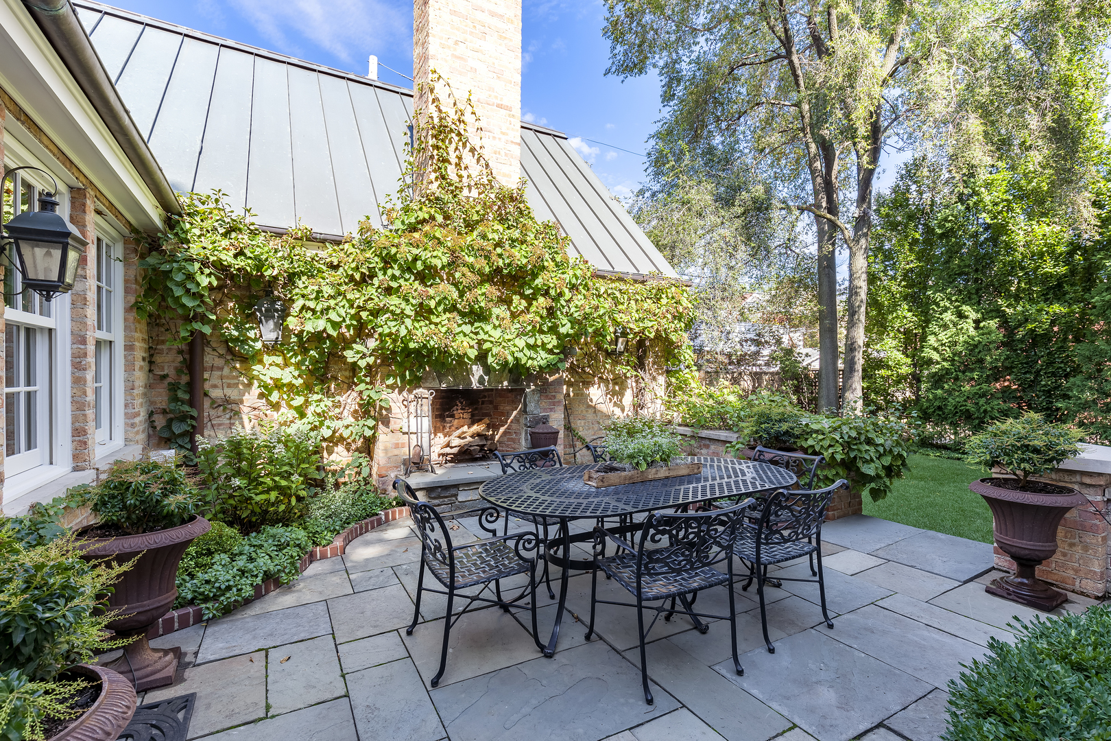 1238 west montana street chicago il 60614 the lowe group of