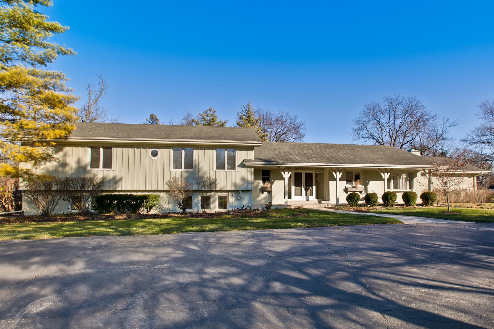 1125 Oak Knoll Drive, Lake Forest IL 60045