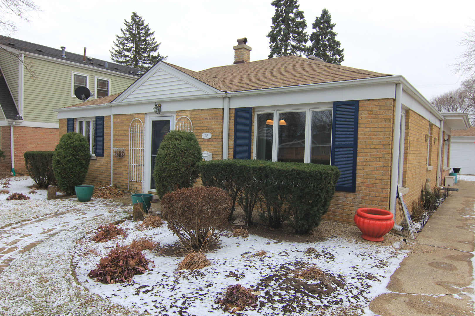 745 East Rockland Road, Libertyville IL 60048
