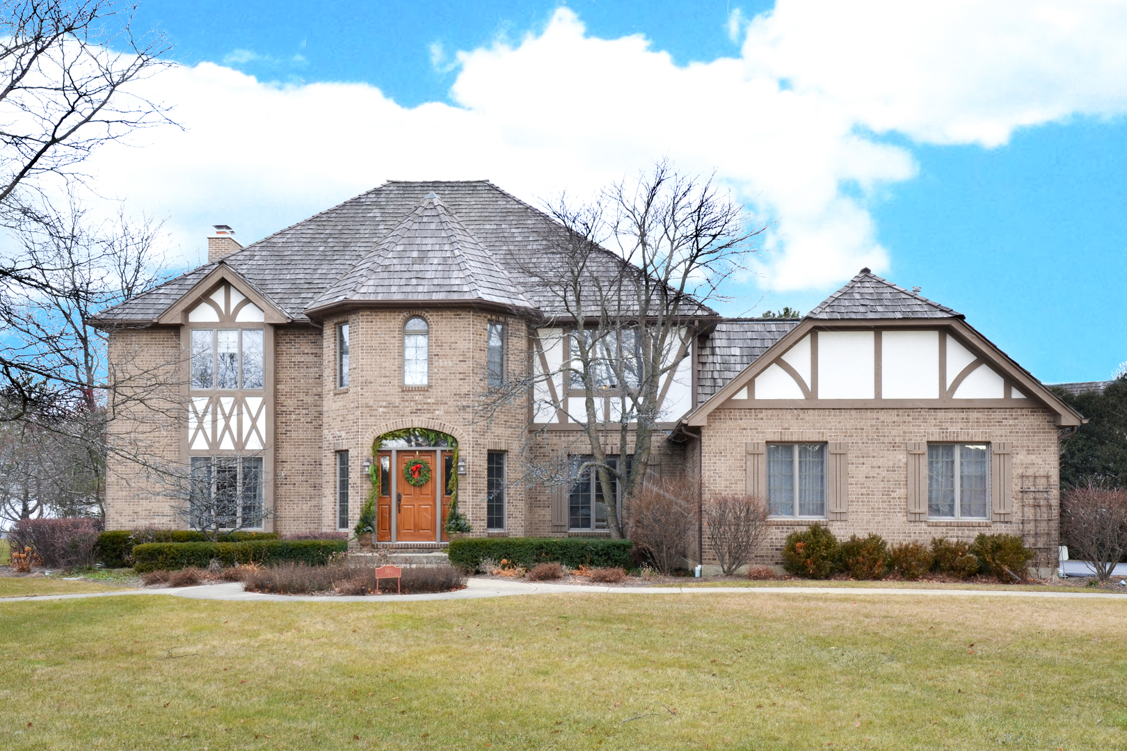 160 West Honeysuckle Road, Lake Forest IL 60045