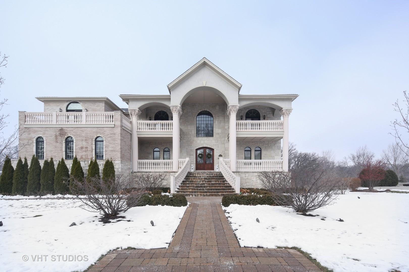 Oak Brook                                                                      , IL - $2,575,000