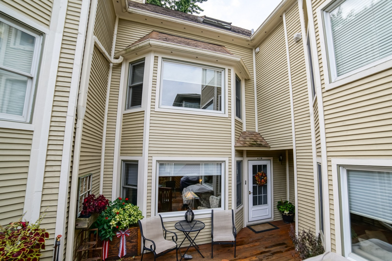 413 Wisconsin Avenue Unit D, Oak Park IL 60302