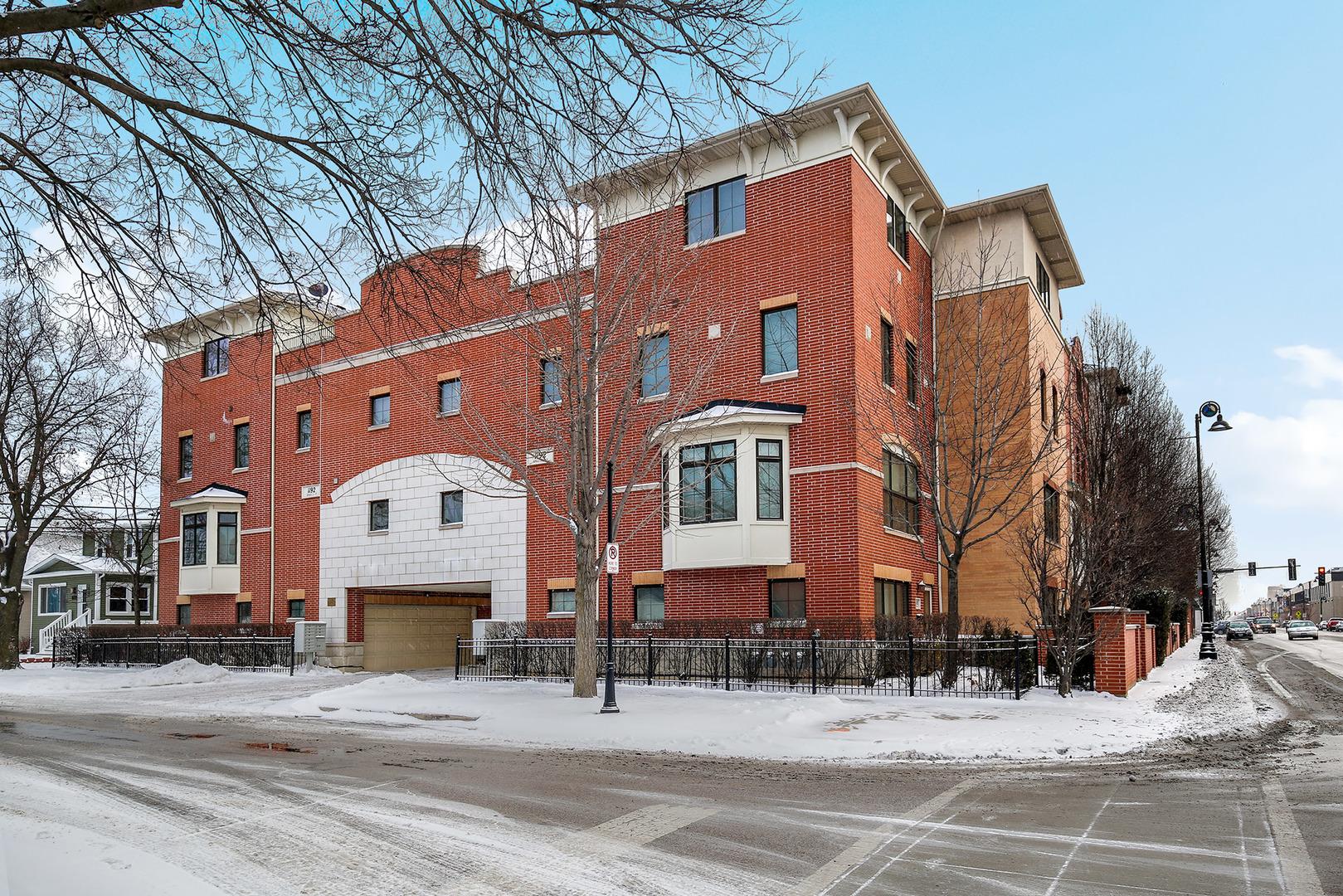1192 Clarence Avenue Unit 12, Oak Park IL 60304