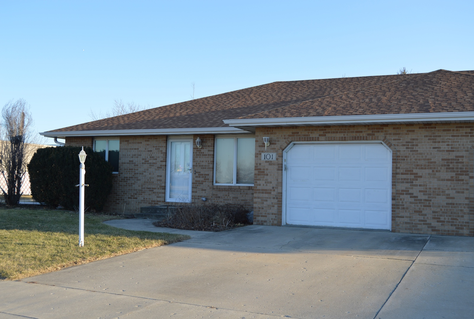 Property for sale at 101 Sharon Drive, Morris,  IL 60450