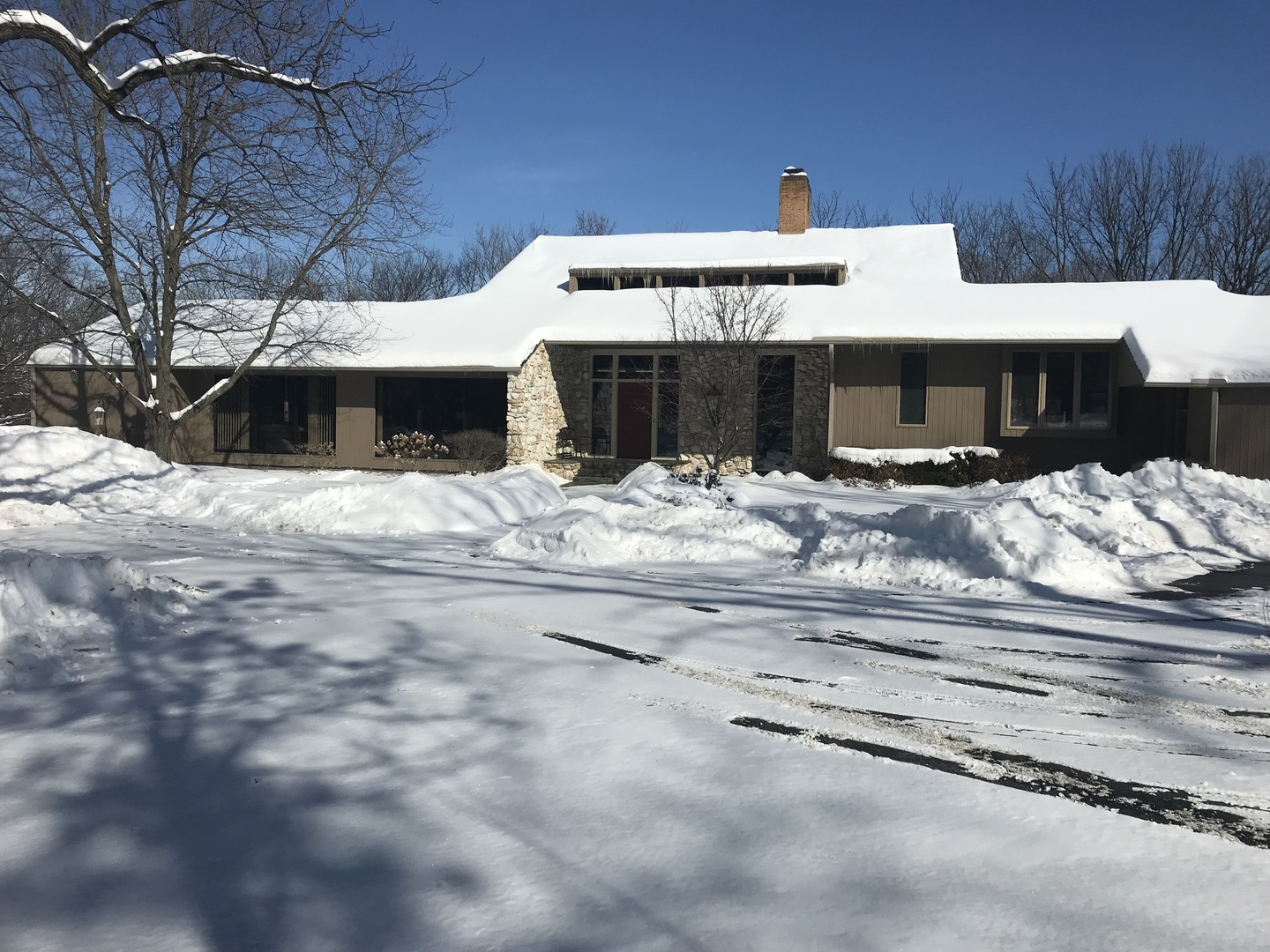 Property for sale at 1609 South Valley Hill Road, Woodstock,  IL 60098