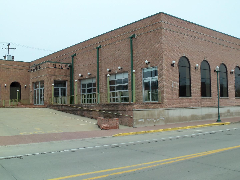 Property for sale at 124 West Illinois Avenue, Morris,  IL 60450