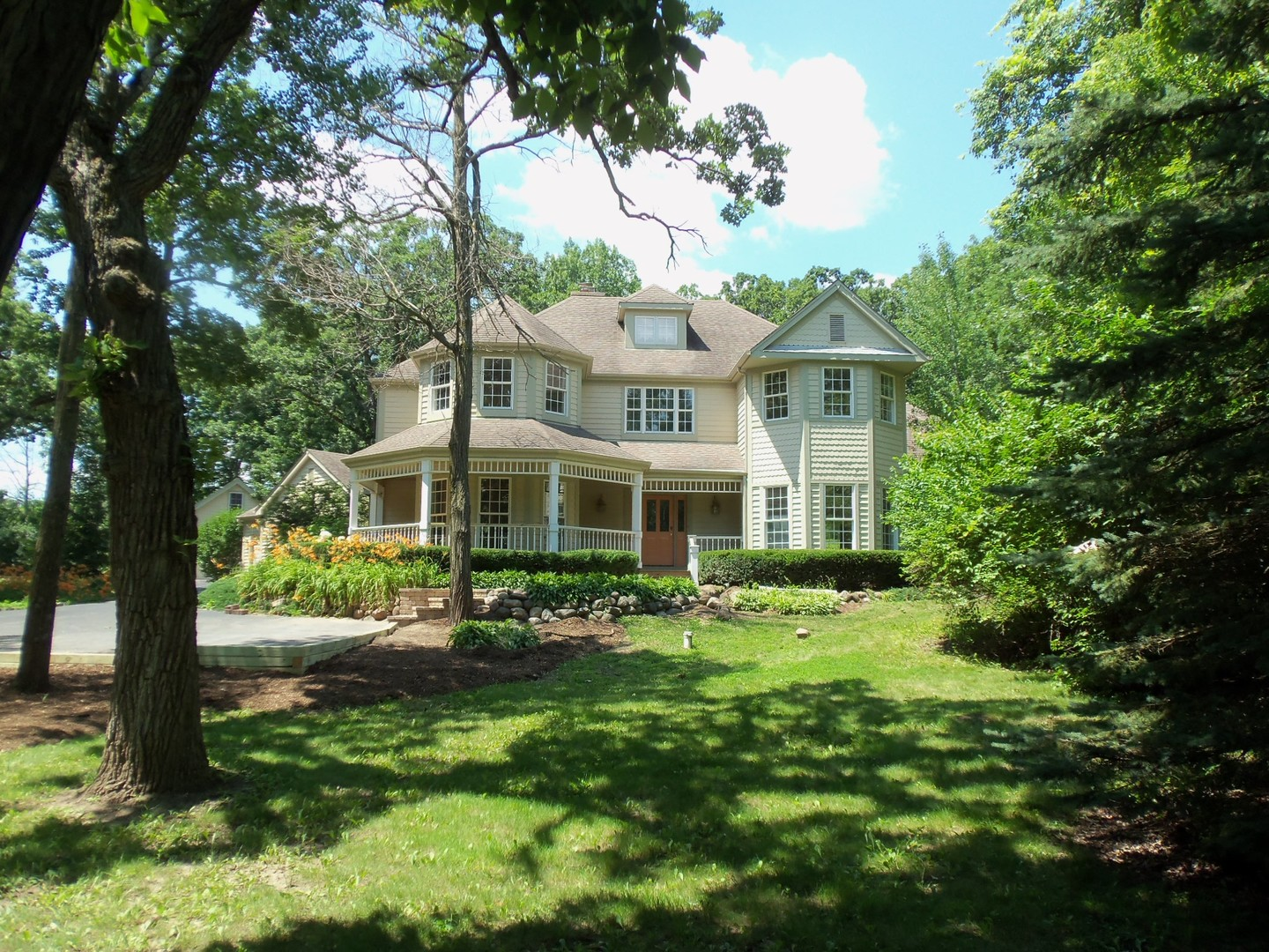 Property for sale at 9804 Autumn Lane, Woodstock,  IL 60098
