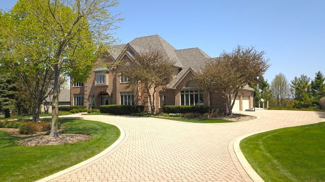 Property for sale at 400 Boulder Drive, Lake In The Hills,  IL 60156