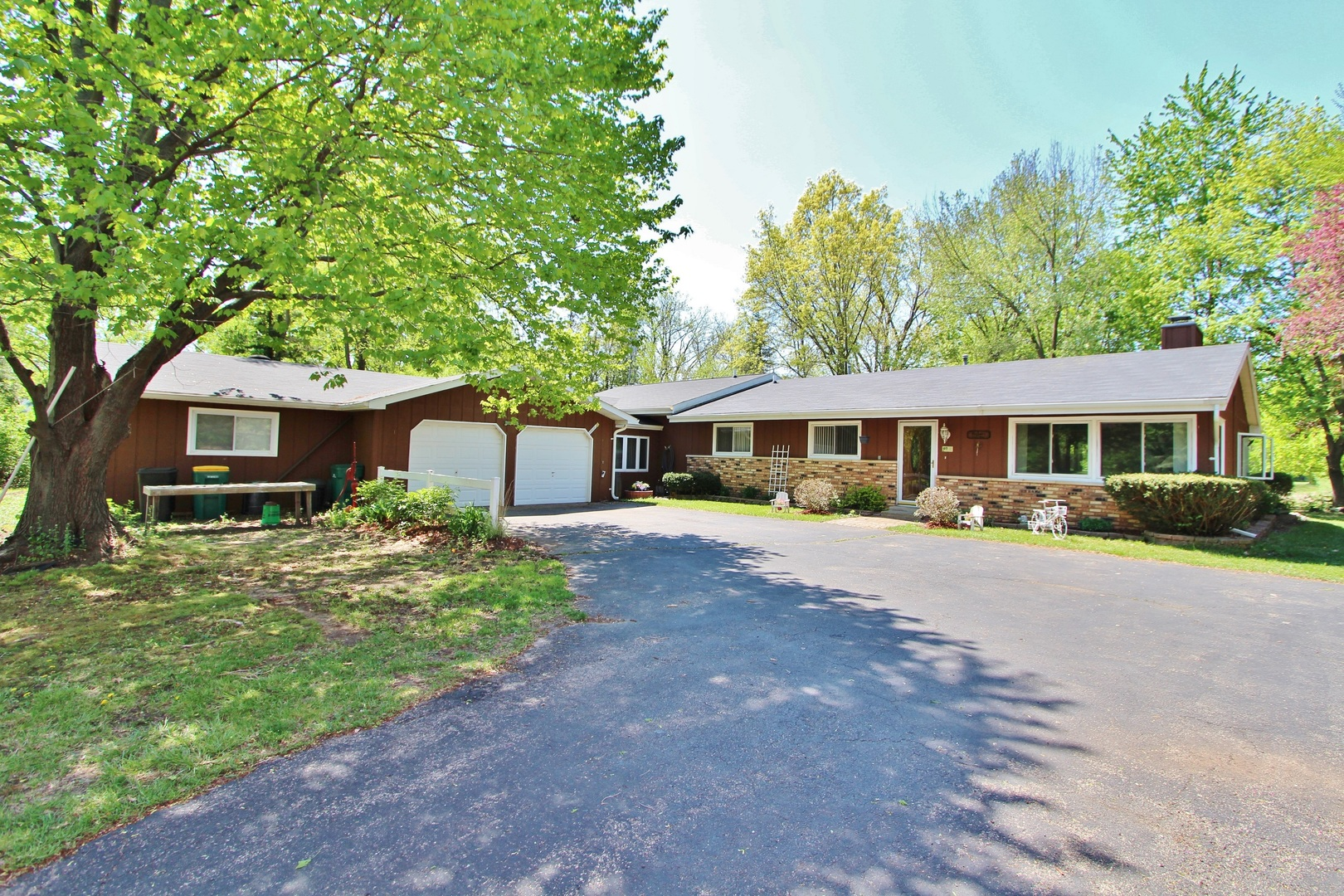 Property for sale at 3241 North Lakeside Drive, Coal City,  IL 60416