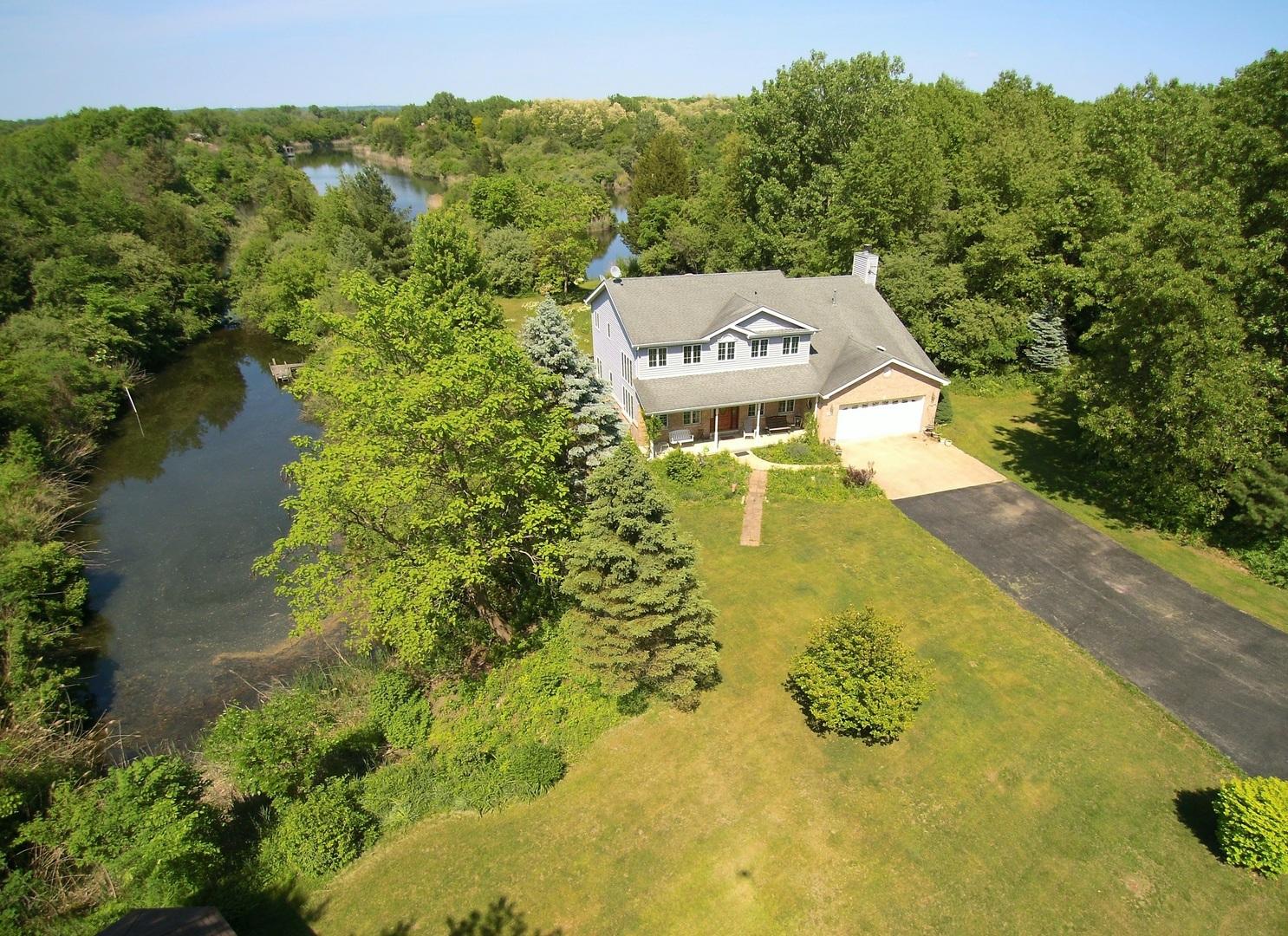 Morris                                                                      , IL - $449,900