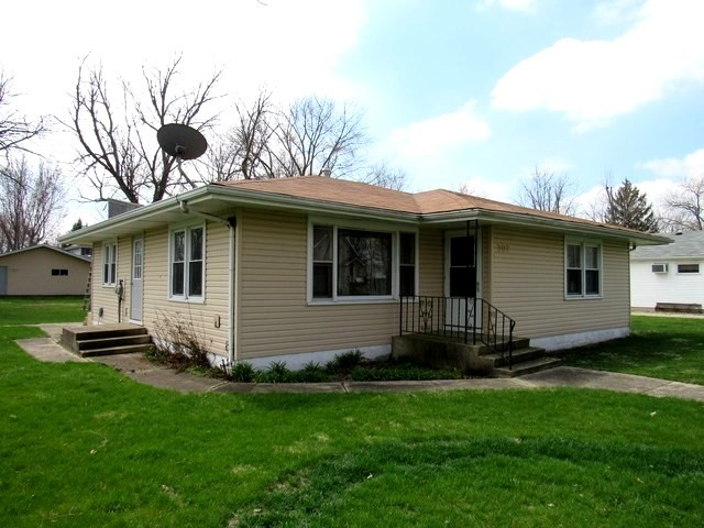 Property for sale at 302 West Lincoln Avenue, Gardner,  Il 60424