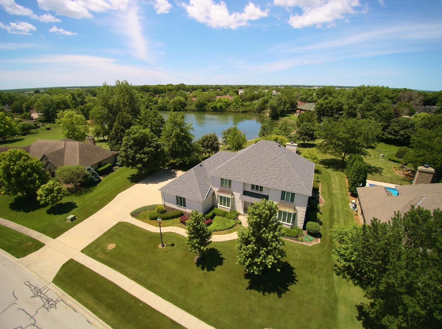 Morris                                                                      , IL - $587,000