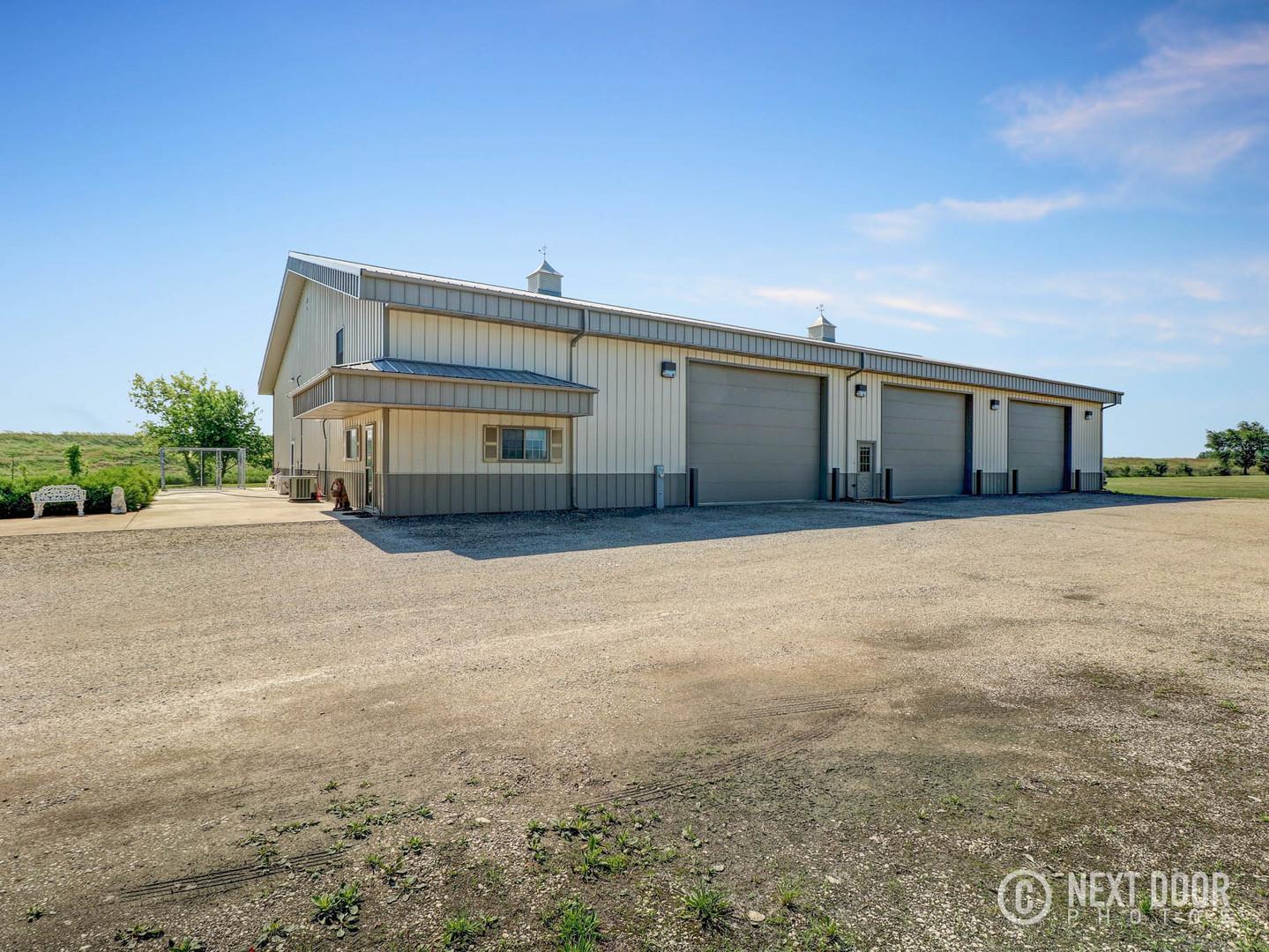 Morris                                                                      , IL - $898,989