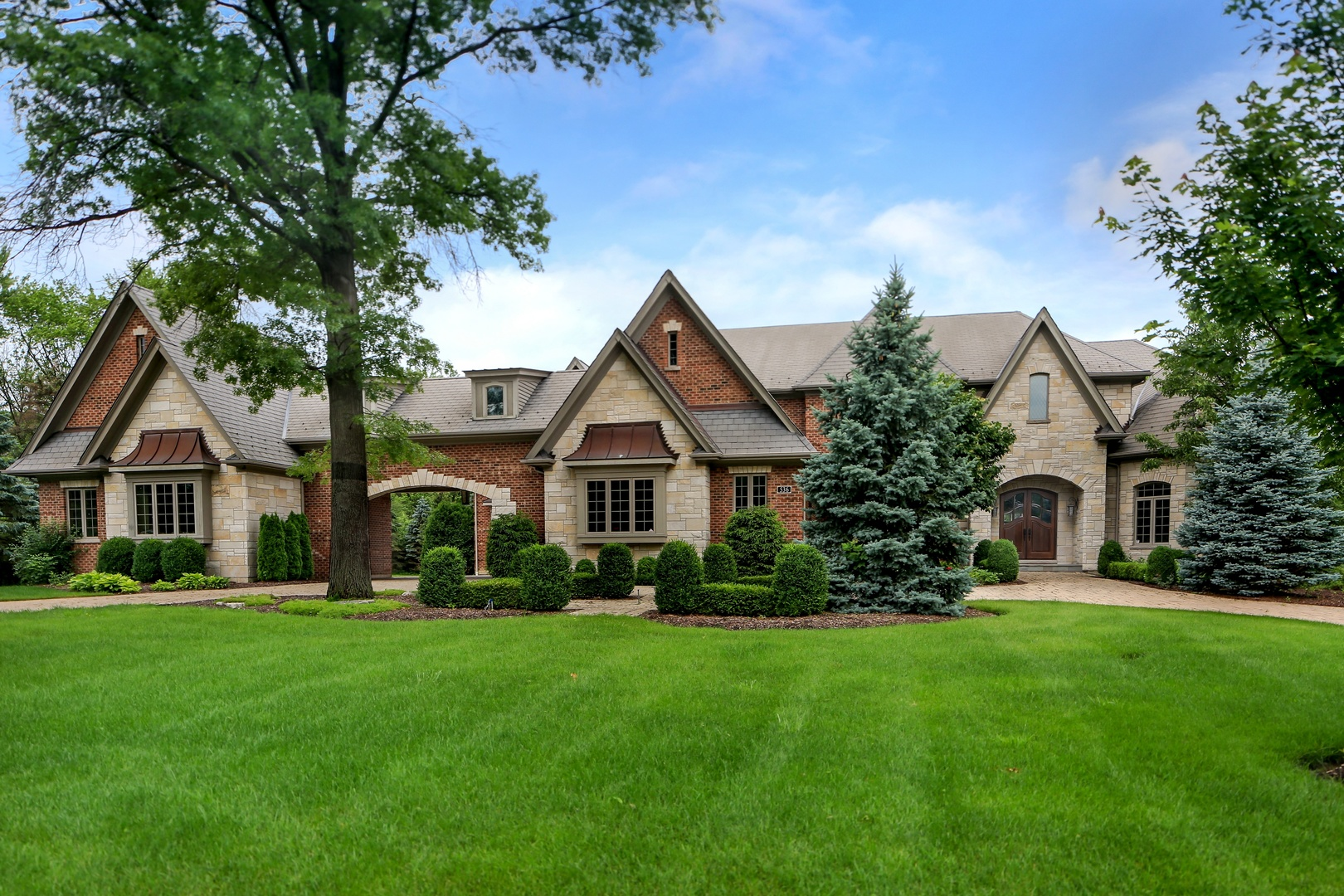 Property for sale at 536 Ridgemoor Drive, WILLOWBROOK,  Il 60527