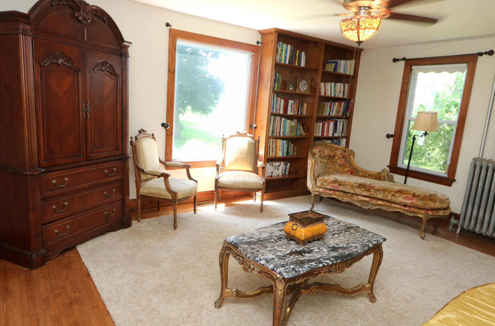 singles in capron Single family home for sale in capron, il for $870,000 with 4 bedrooms and 6 full baths, 2 half baths this 7,999 square foot home was built on a lot size of 11+acres.