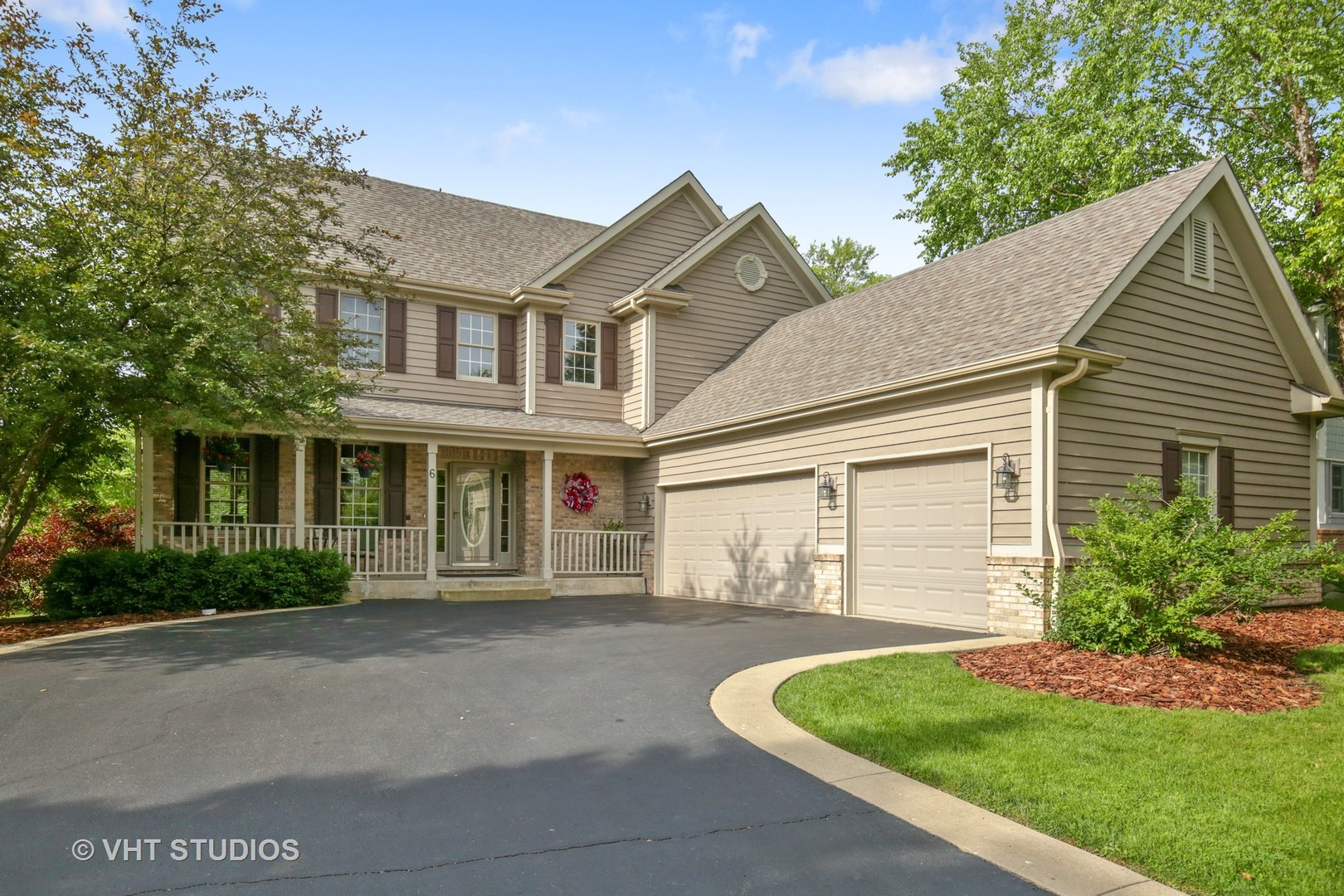 Property for sale at 6 Shadow Creek Court, Lake In The Hills,  Il 60156
