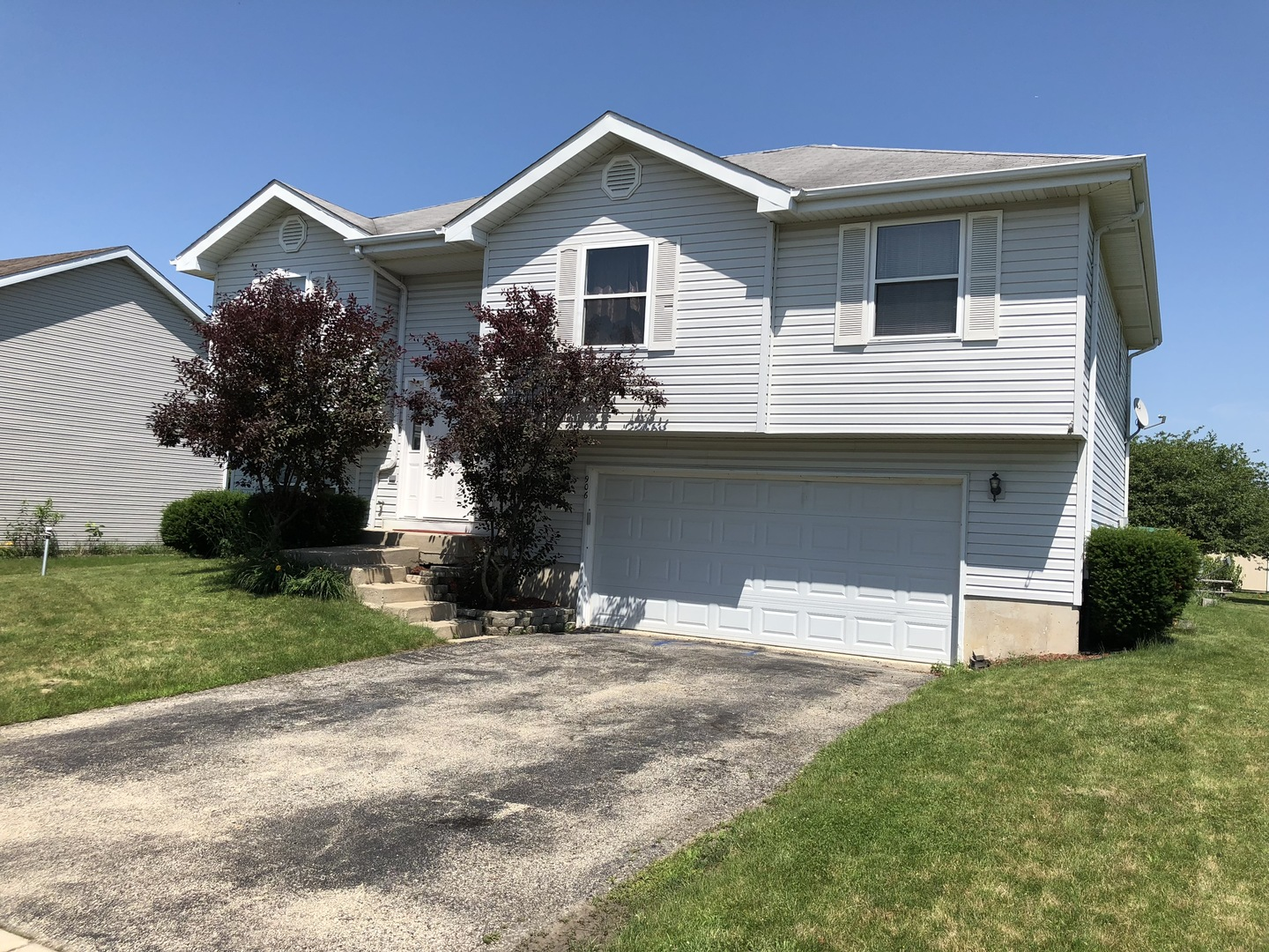 Property for sale at 906 Redwood Drive, Elwood,  Il 60421