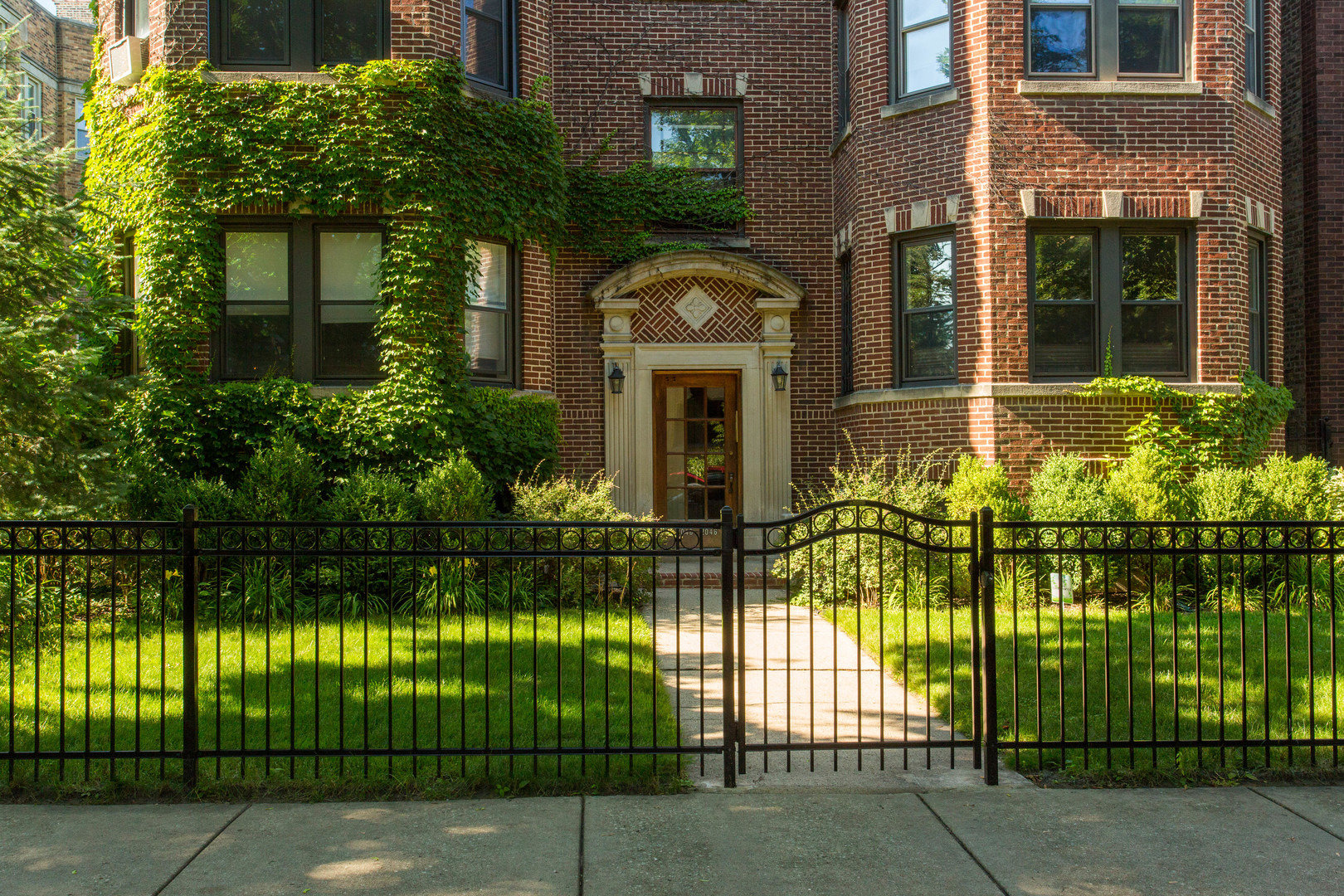 Property for sale at 2048 West Fargo Avenue Unit: 3W, Chicago-CHI - Rogers Park,  Il 60645