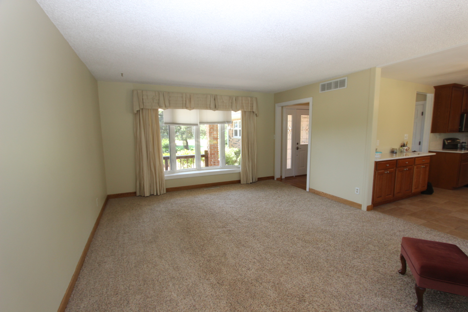 oak grove lesbian singles Mls# 6054790 — this 4 bedroom, 2 bathroom single family for sale is located at 1377 oak grove dr, decatur, ga 30033 view 38 photos, price history and more on bhgrecom.