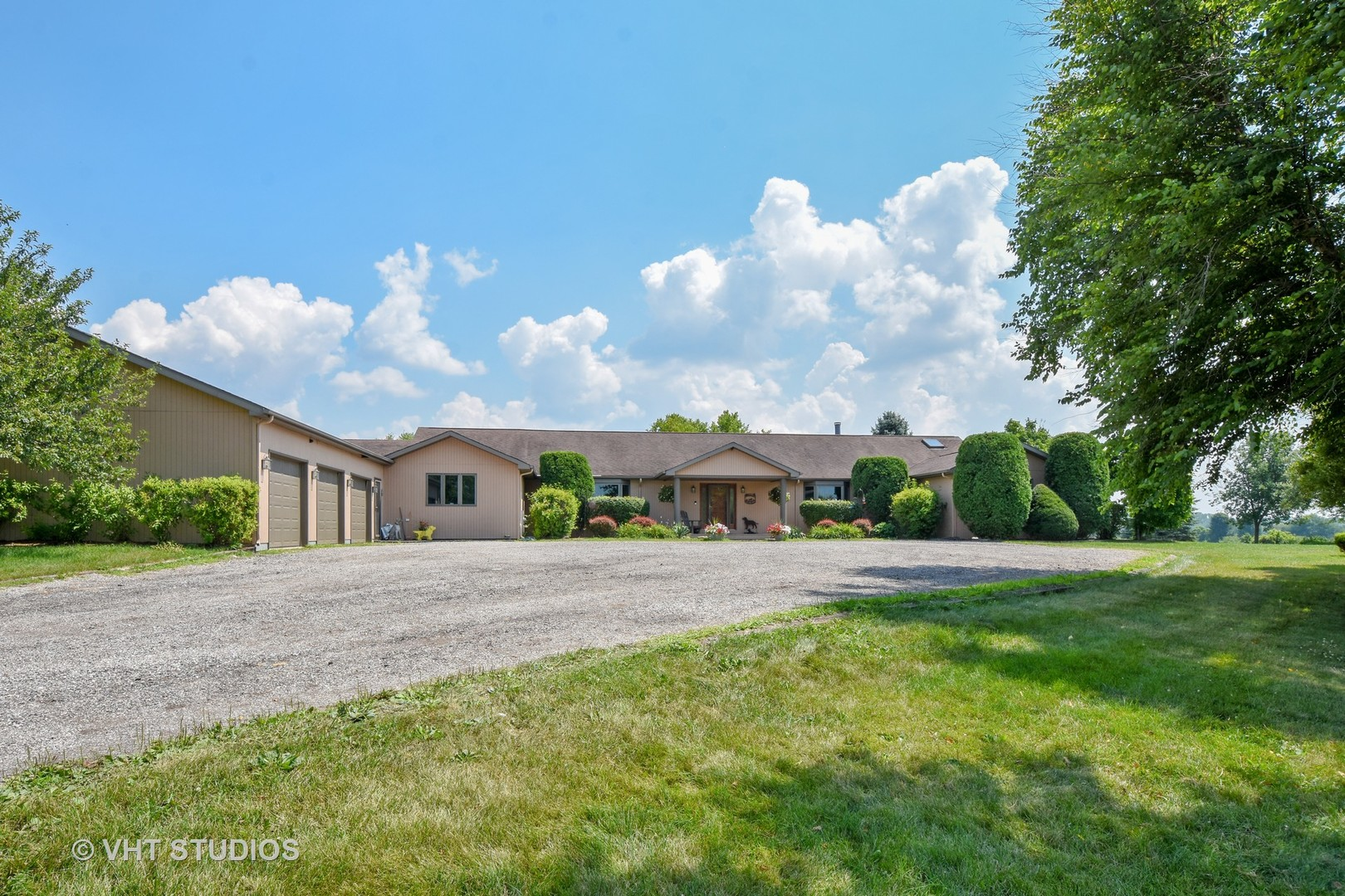 Property for sale at 6611 Bull Valley Road, Mchenry,  Il 60050