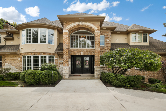 Oak Brook                                                                      , IL - $1,540,000
