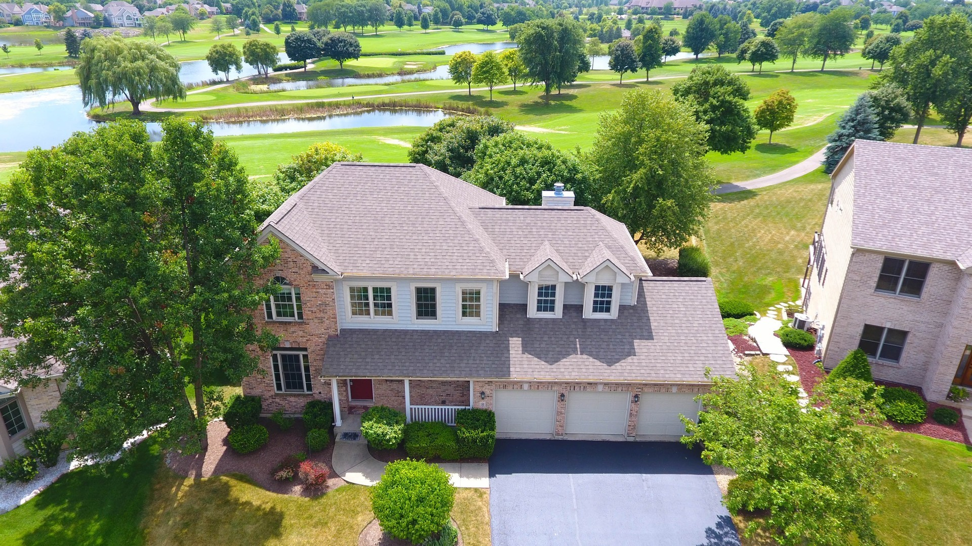 Property for sale at 8 Twelve Lakes Court, Lake In The Hills,  Il 60156