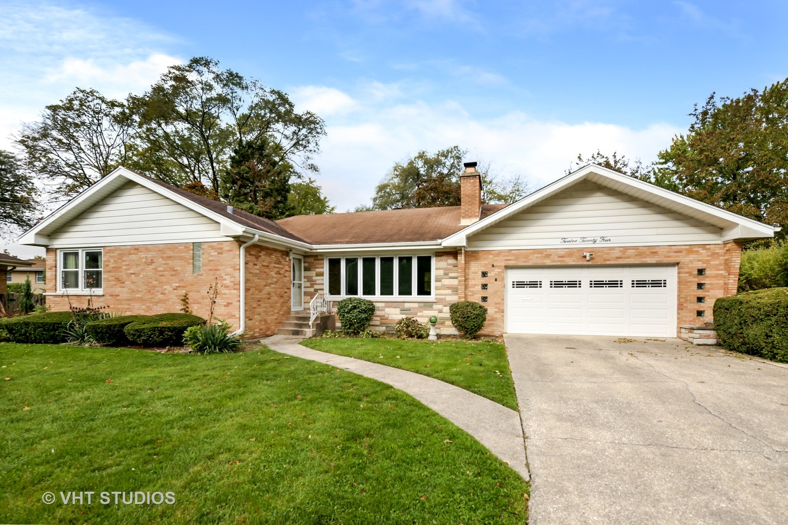 Property for sale at 1224 Robinhood Lane, La Grange Park,  Il 60526