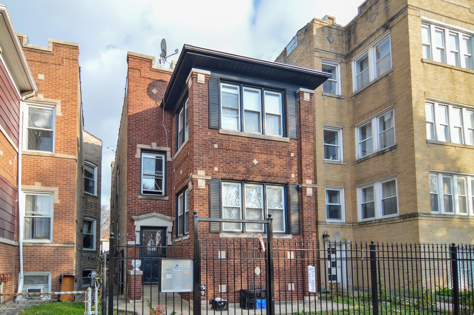Property for sale at 4533 North Kimball Avenue, Chicago-CHI - Albany Park,  Il 60625