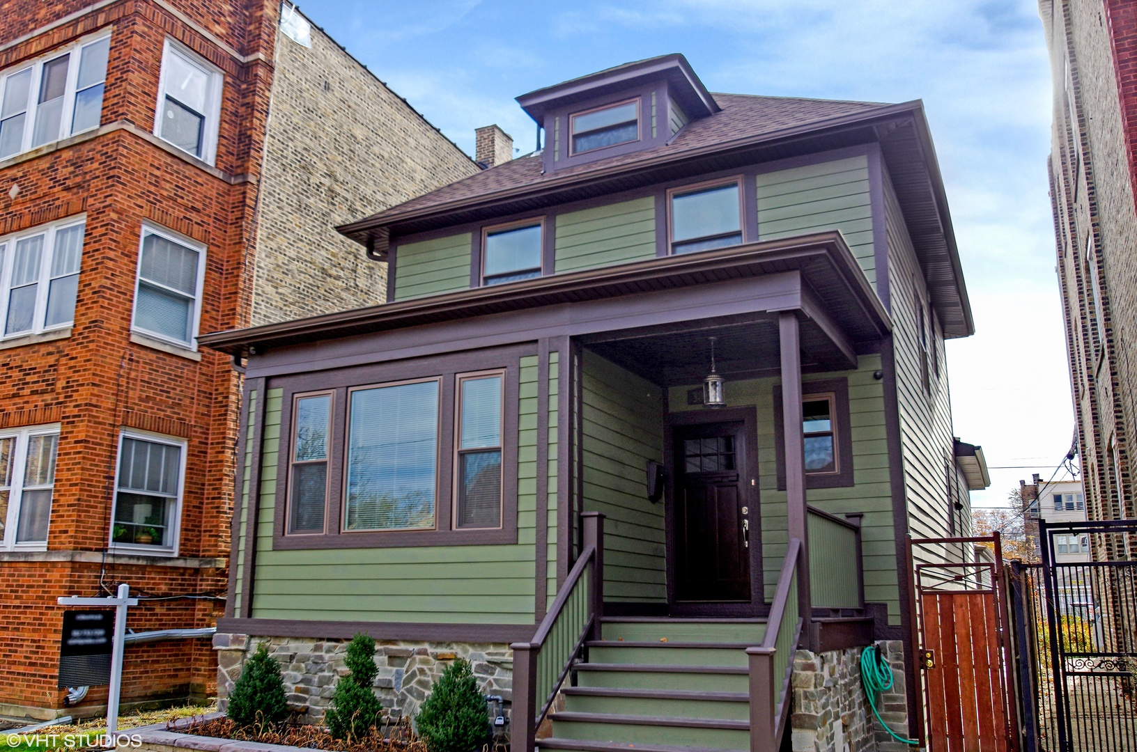 Property for sale at 3027 West Leland Avenue, Chicago-CHI - Albany Park,  Il 60625